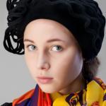 фетровую шапочку