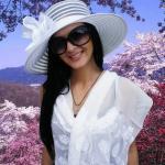 Белая летняя шляпка