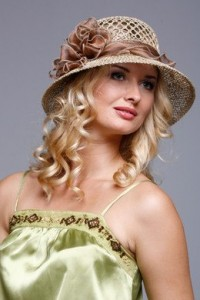 Вы собрались в отпуск и не знаете где купит в Новосибирске летнюю шляпу? У нас круглый год большой ассортимент шляпок!