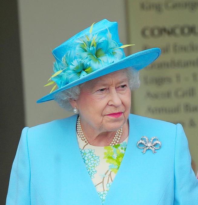 королева + шляпа