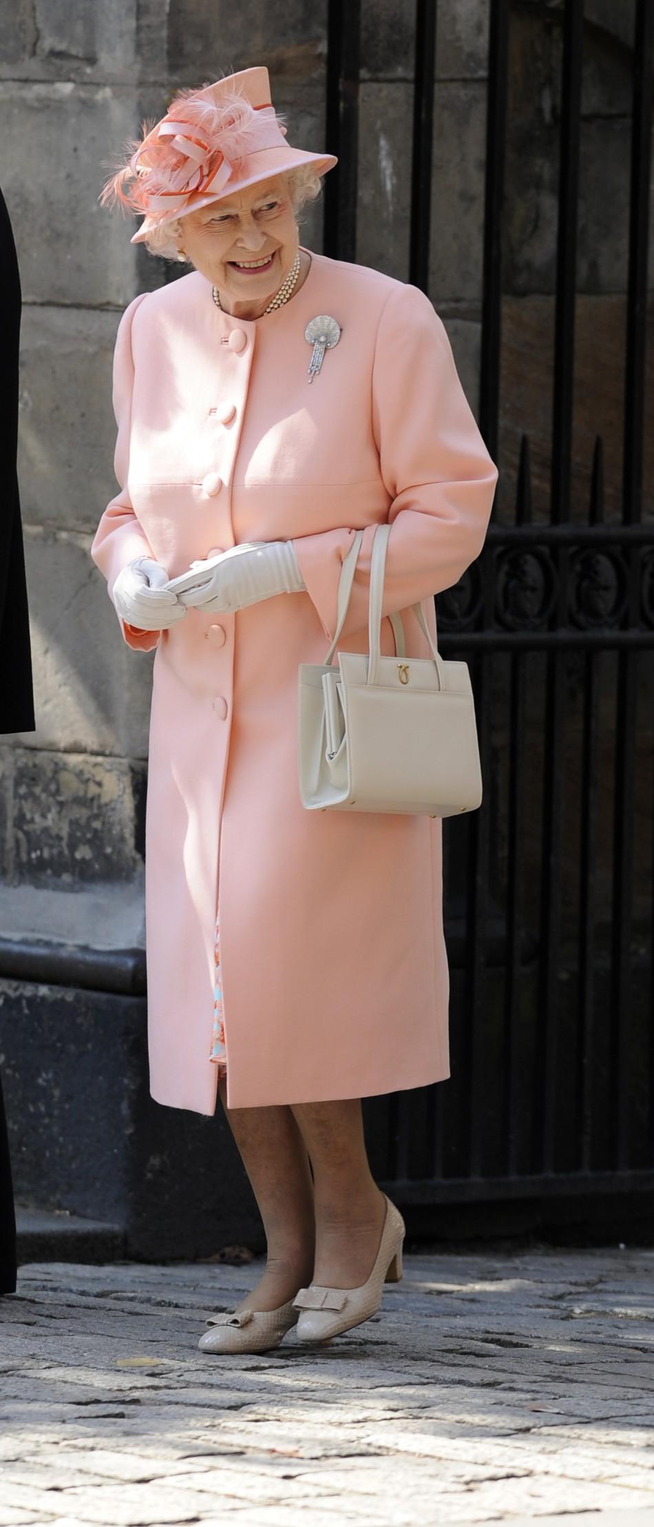 Ее-Величество-Королева-Великобритании-Елизавета-II
