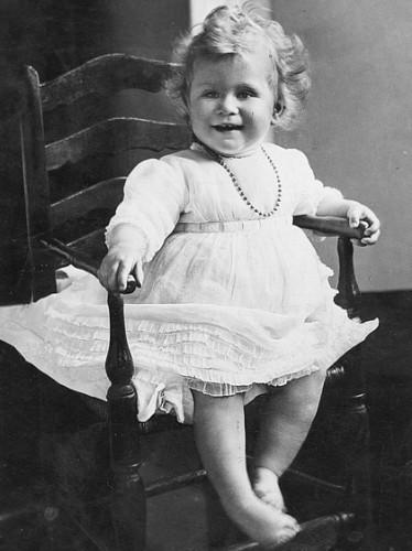 Принцесса ЕлизаветаII в детстве