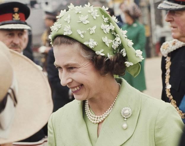 шляпы королевы Елизаветы